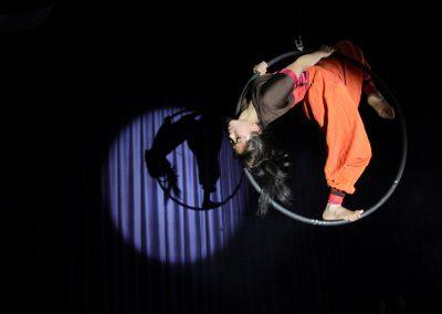 girl-in-hula-hoop